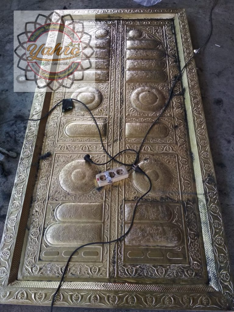 Replik Pintu Kabah 1
